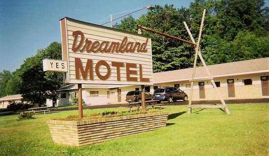 Dreamland Motel & Restaurant