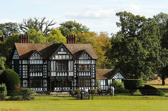 Paris House is nestled in the deer park of Woburn estate...