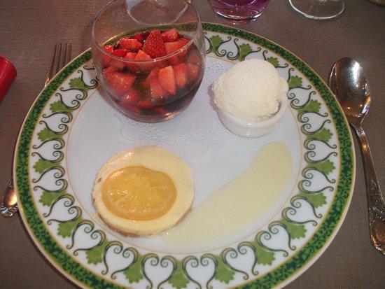 HOTEL LES ALPAGES : fraises....