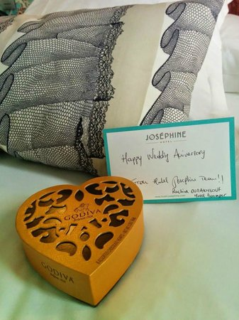 Hotel Josephine by HappyCulture: Anniversary gift from the hotel