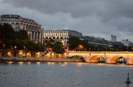 Private Tours Paris: Paris Night Cruise