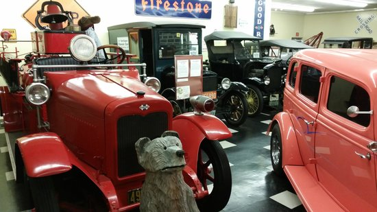 Woodstock, NH: sample of car museum