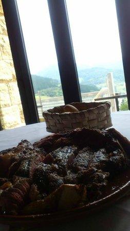 Kiloterdi Txokoa Ellauri: comiendo con vistas