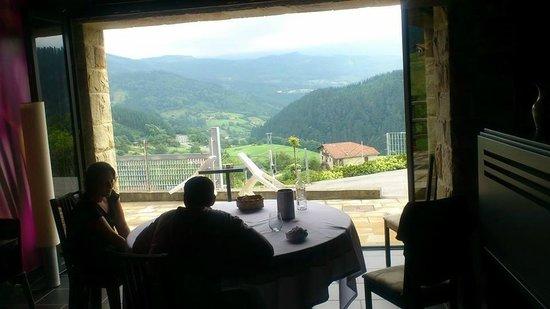 Kiloterdi Txokoa Ellauri: nos abrieron las puertas de cristal para disfrutar mas si cabe de las magnificas vistas