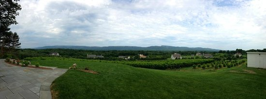 The Inn at Kettleboro: Panoramic Photo of View from Back