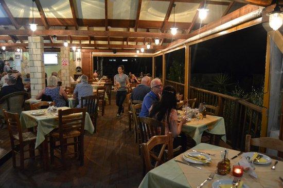La Mer Restaurant: Vista sala
