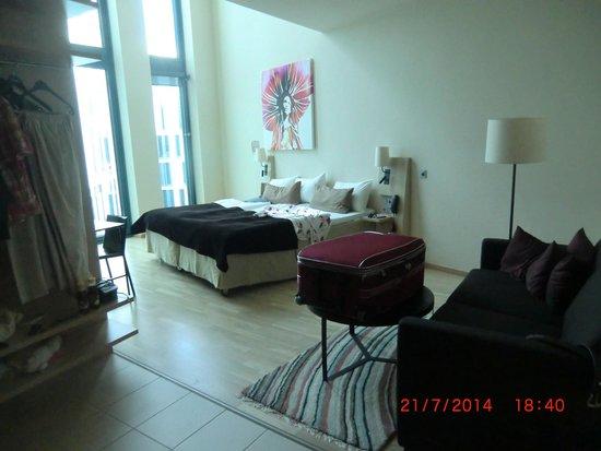 Scandic Hamburg Emporio: Hotelzimmer 637