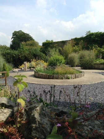 Warner Leisure Hotels Bodelwyddan Castle Historic Hotel: Gardens