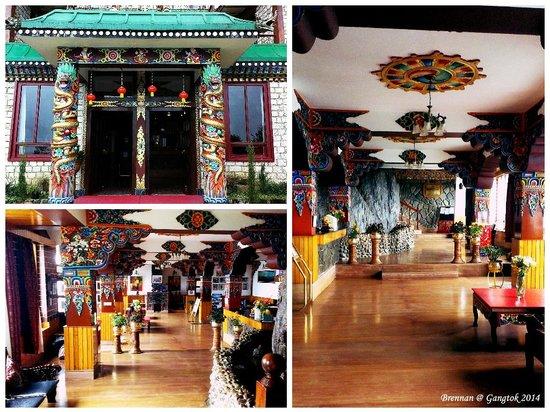 Club Mahindra Gangtok, Royal Demazong : Entrance & Reception Area