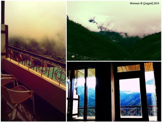 Club Mahindra Gangtok, Royal Demazong : View from the Room & Balcony