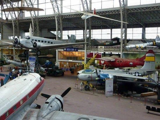 Musée Royal de l'Armée (Koninklijk Legermuseum): avions, musée militaire de bruxelles