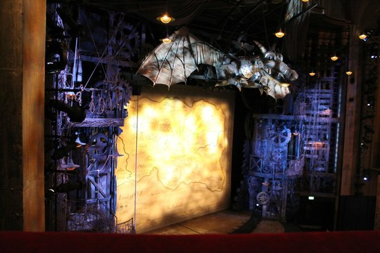 Wicked the Musical: Stage