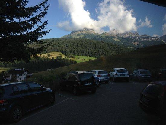 Ciasa Alpina Relax Hotel : quando ci si alza e si a pranzo/cena