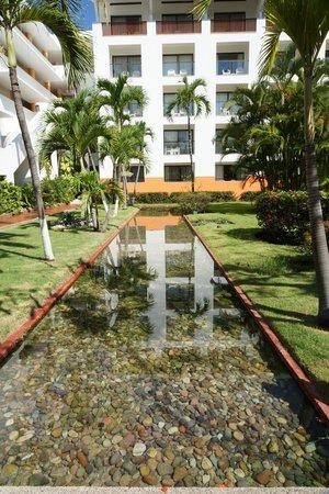 Meliá Puerto Vallarta All Inclusive: Vista a las habitaciones