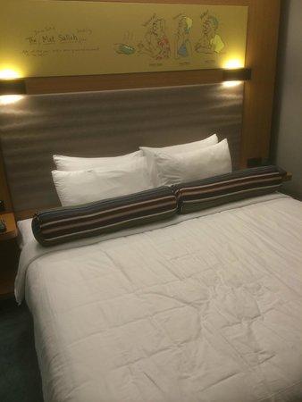 Aloft Kuala Lumpur Sentral: King size bed