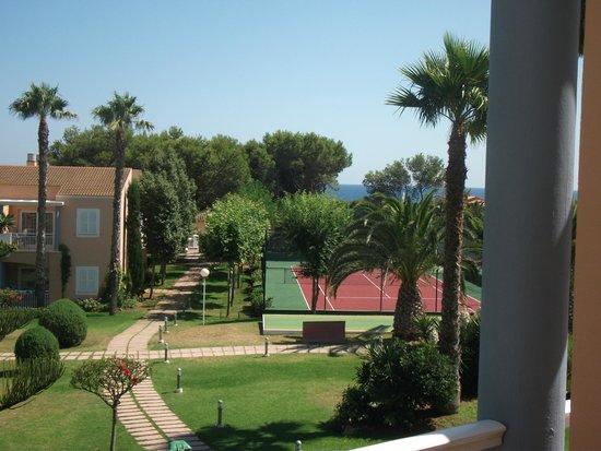 Hotel Apartamentos Princesa Playa: View from Balcony