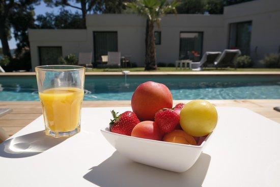 Villa Californie : Jus d'orange pressé et coupe de fruits frais