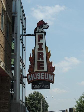 Fire Museum of Memphis : Sign