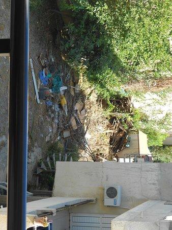 C & A Tourist Apartments: vue de ma sortie de chambre