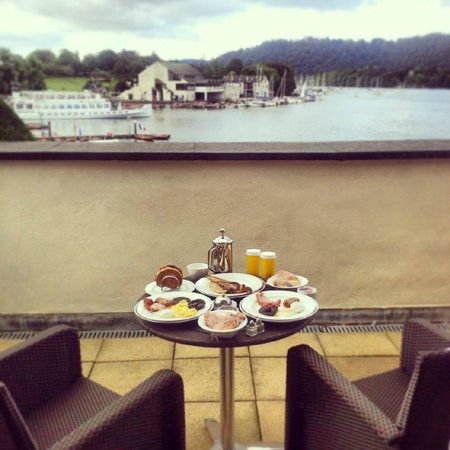 Macdonald Old England Hotel & Spa: Breakfast on the balcony