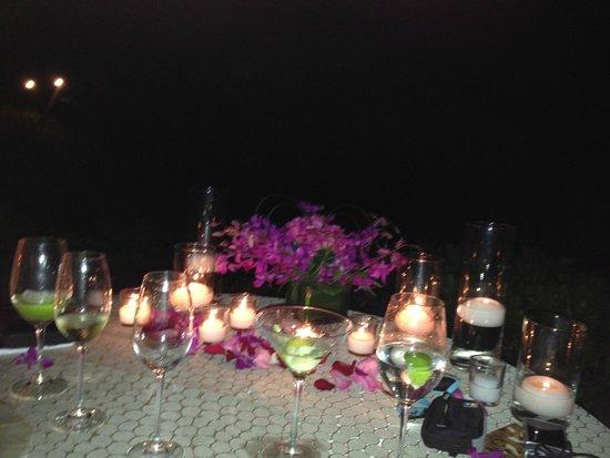 Ferraro's Bar e Ristorante: evening  dinner at Ferrasos 4 seasons