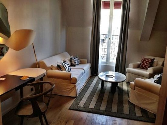 Hotel Vernet: My Living Room at my suite