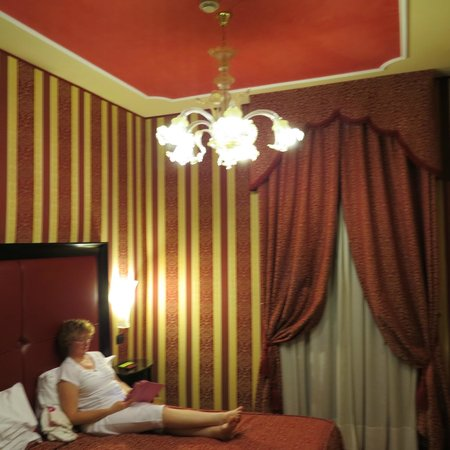 Alcyone Hotel : Bed