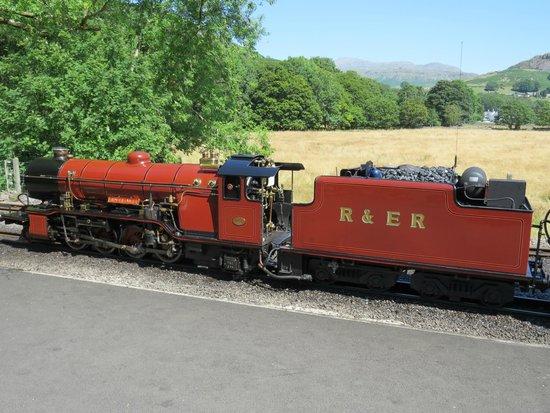 Mountain Goat Tours: Steam engine on Eskdale railway