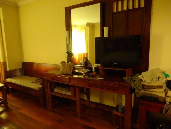 Royal Empire Hotel : habitacion