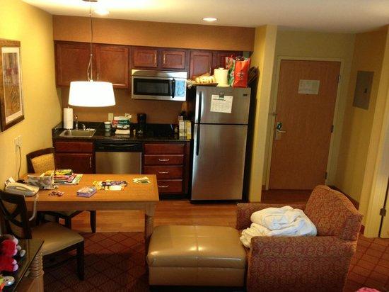 Homewood Suites by Hilton Boston/Cambridge-Arlington : Kitchen