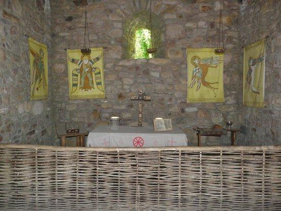 Irish National Heritage Park: Alter in small church