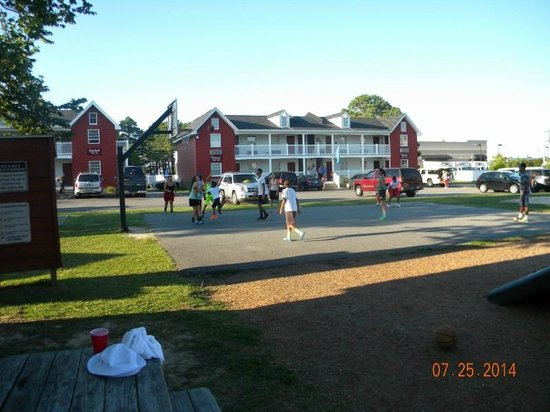 Francis Scott Key Family Resort : Basketball Court
