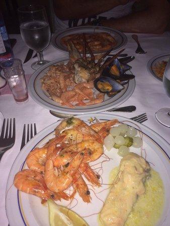 IBEROSTAR Isla Canela Hotel: Cena con marisco de la zona