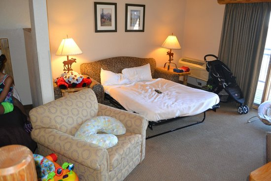 Great Wolf Lodge: Living Room with Sleeper