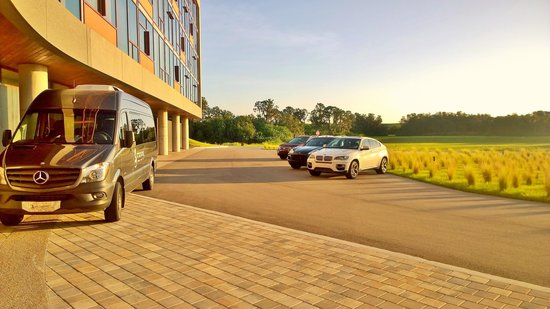 Streamsong Resort: our cars look sweet parked out front