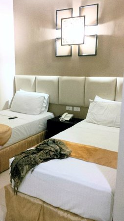 Hotel Stella: Room with single beds