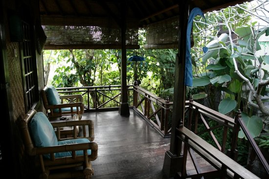 Swasti Eco Cottages: Veranda