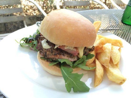Wheelwrights Arms : coriander and dijon burger