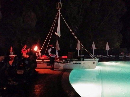 VOI Arenella resort: Serata dei pirati