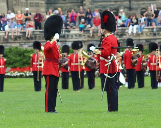 Changing of the Guard: Changing of Guard - salutes