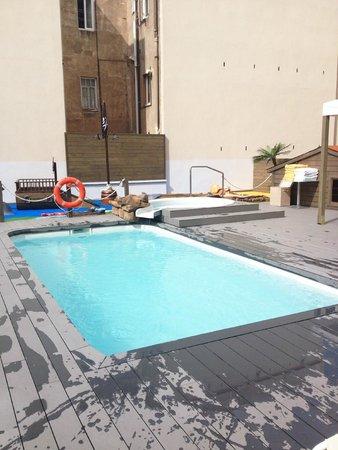 Silken Concordia Hotel: Pool