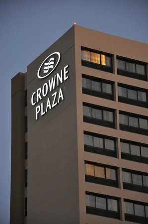 Crowne Plaza Los Angeles International Airport Hotel : The Hotel