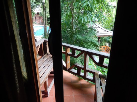 Phu Pha Ao Nang Resort and Spa: Balcón