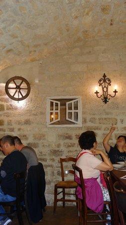 Chez Robert et Louise : Cellar