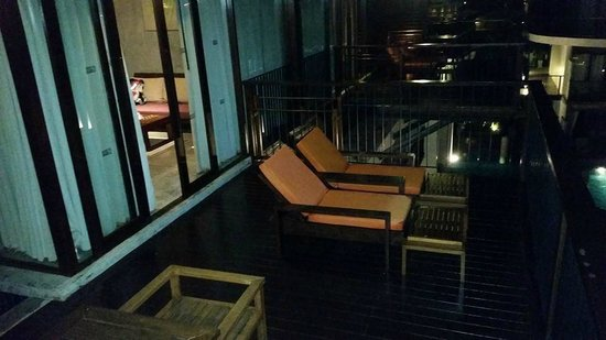 Holiday Inn Resort Krabi Ao Nang Beach : View of room balcony
