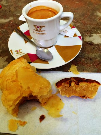 Lisbon Secrets - Guided Tours : Famous Lisbon Pastry tasting