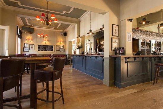 The Bickley Pub & Garden: The  Bickley - bar