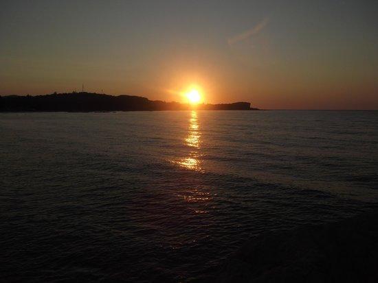 Matoula Apartments : Sunset at Acharavi