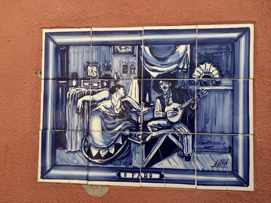 Lisbon Secrets - Guided Tours : Fado tile