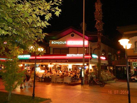 Hotel Bonjour: Restaurant Bonjour